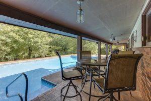 pool-1567760_640