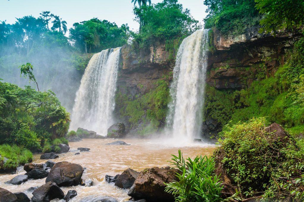 waterfall-1417123_1920