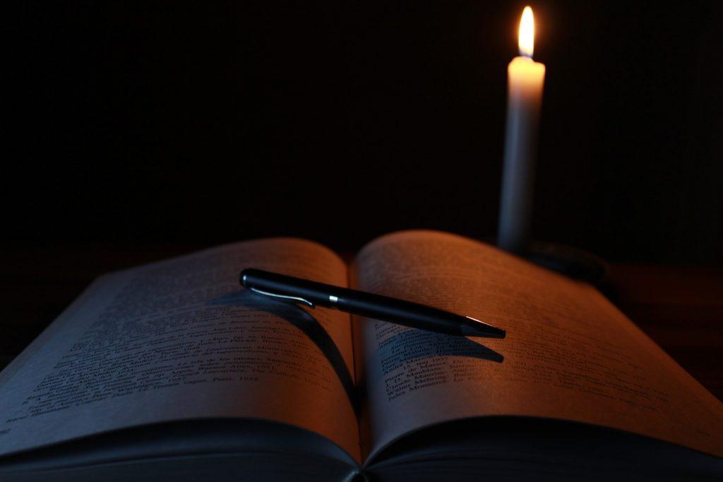 candle-1646765_1280