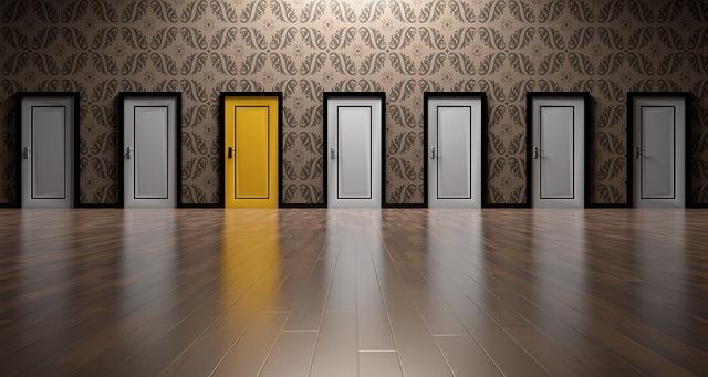 body_yellow_door