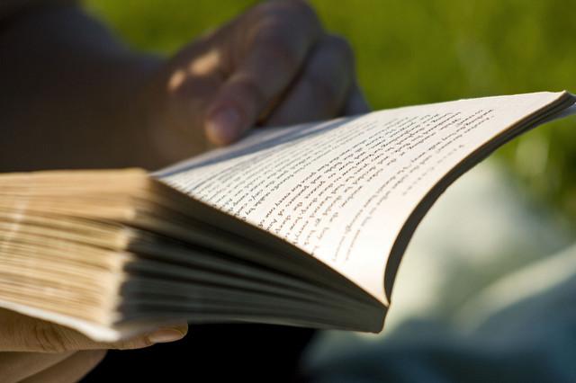 body_person_reading_book