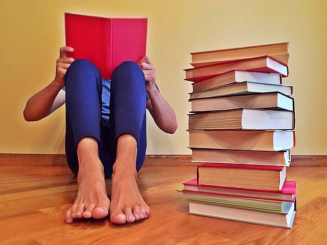 body_person_reading_books