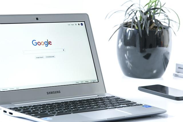 body_internet_search_laptop