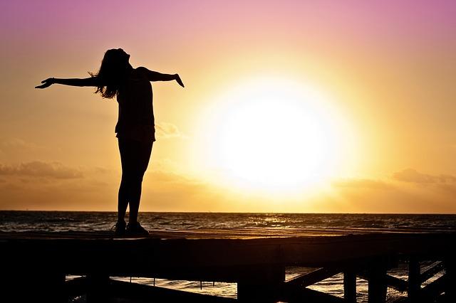 body_woman_free_sun